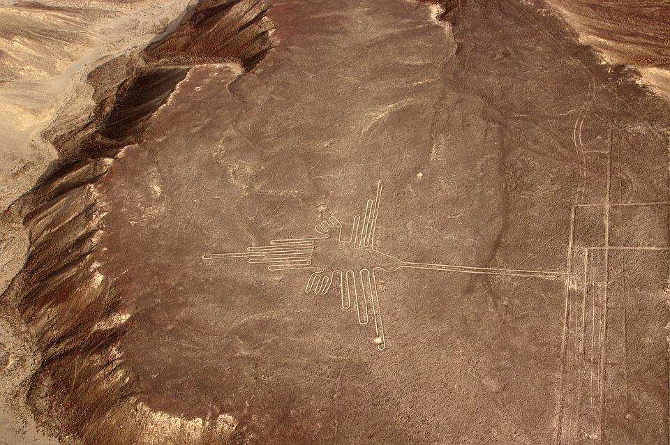 De kolibrie. Nazca-lijnen in Peru.