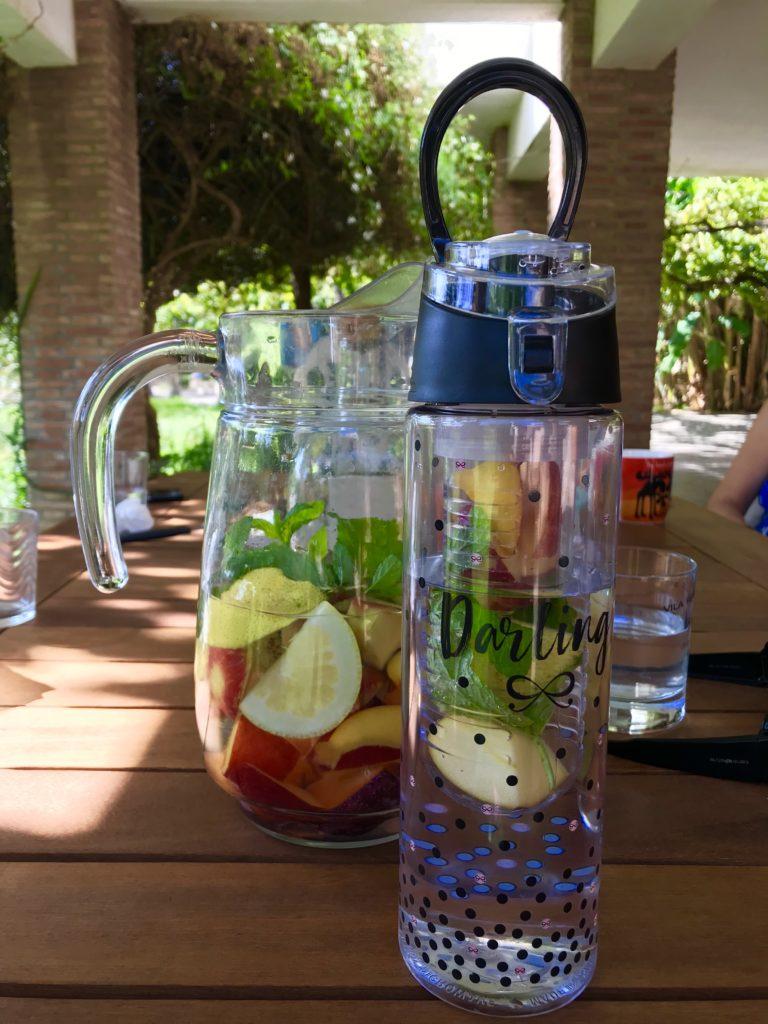 Hunkemöller waterfles met fruit in verschillende kleuren