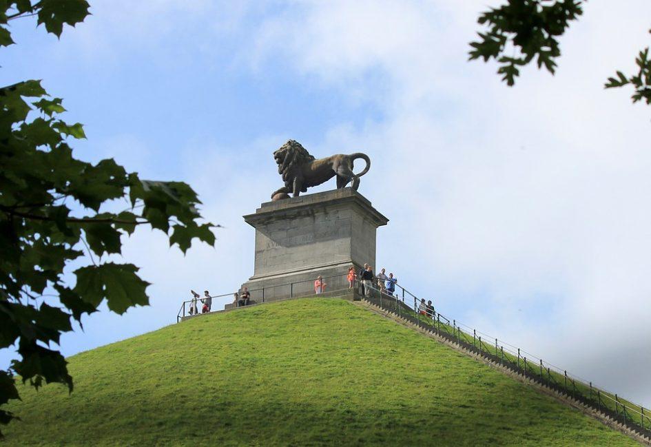 De heuvel met de leeuw